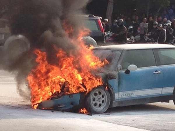Mơ thấy ô tô cháy là điềm báo gì?