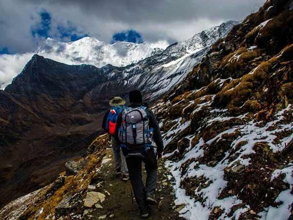 Chiêm bao thấy leo núi nên đánh số đề con bao nhiêu?