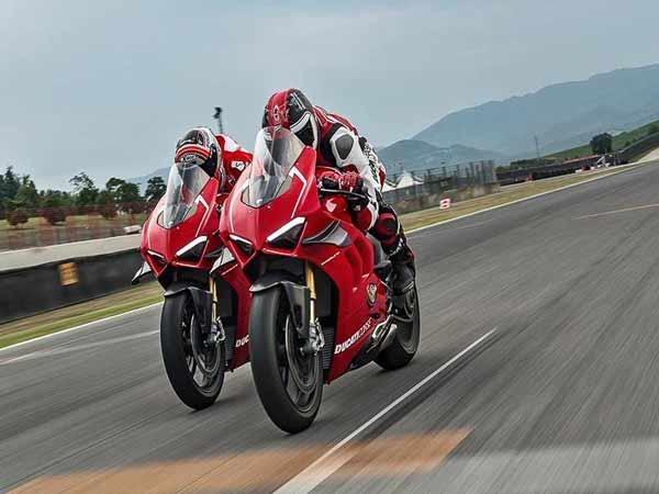 Bảng giá xe Ducati mới nhất tháng 6/2020