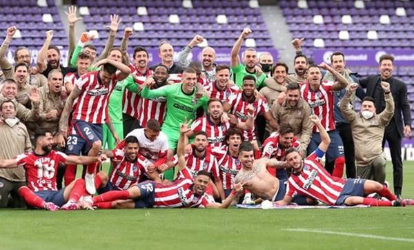Atletico đăng quang danh hiệu La Liga sau 7 năm