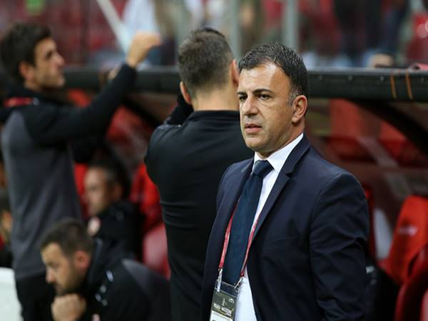 Tin bóng đá trưa 22/6: HLV Bắc Macedonia tuyên bố từ chức